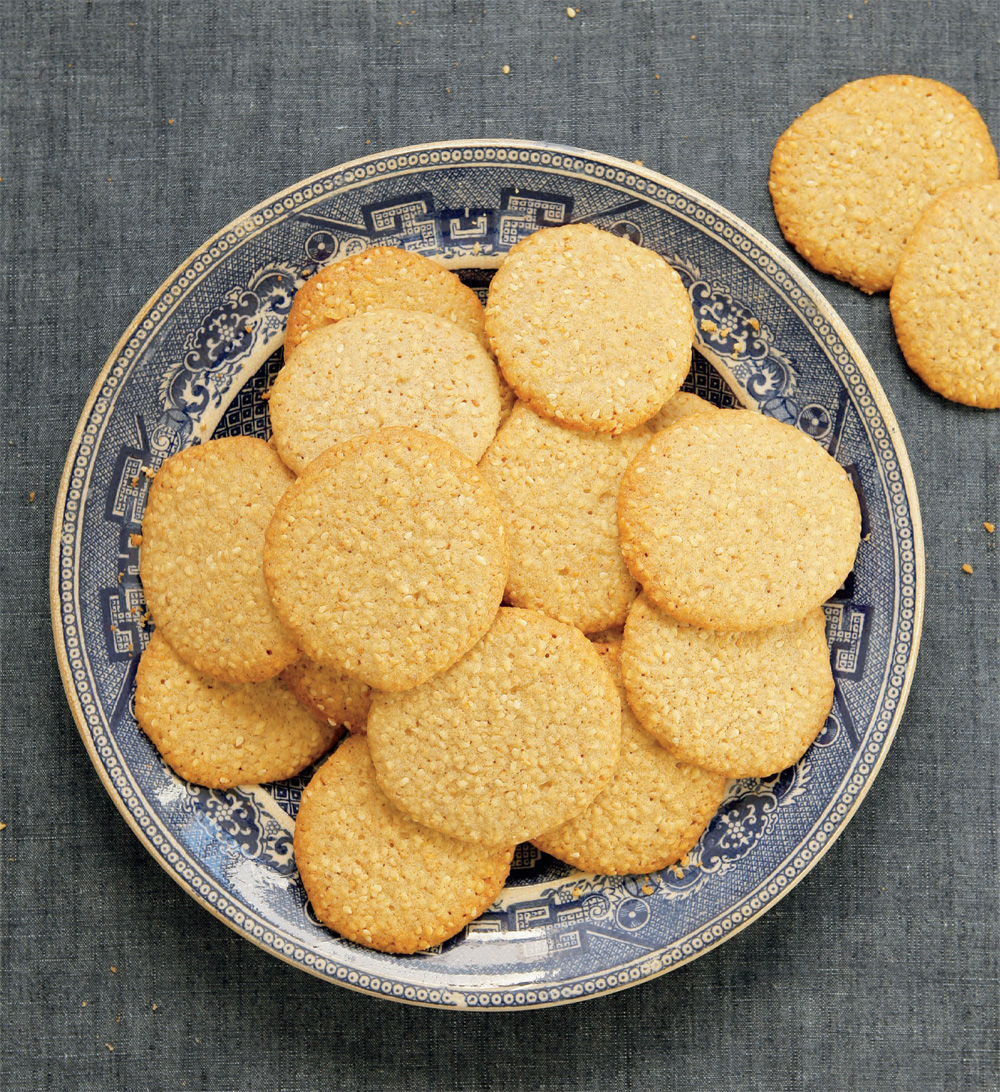 Buttery sesame cookies