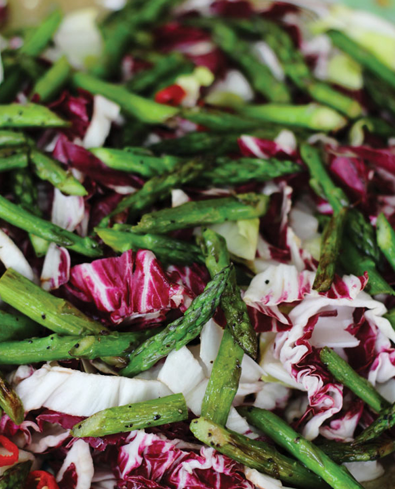 Spicy mixed salad with asparagus recipe
